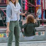 7. März 2015  Jessica Alba amüsiert sich mit Klein-Haven auf dem Spielplatz.