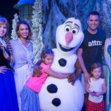 "26. Juni 2015  Familie Alba besucht den ""Frozen""-Themenpark in Disney World in Florida."