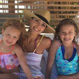 20. Juli 2016  Jessica Alba genießt mit ihren Töchtern Haven und Honor den Sommer in vollen Zügen. Was gibt es Schöneres, als in der Sonne zu entspannen und sich zwischendurch im Meer abzukühlen.