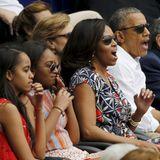 Familie Obama besuchte während ihres Kuba-Aufenthalts ein Baseballspiel in Havanna. Es spielte die kubanische Nationalmannschaft gegen die Tampa Bay Rays.