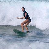 21. März 2016  Gisele Bündchen und ihr Liebster Tom Brady urlauben in Costa Rica und stürzen sich auf dem Surfbrett in die Fluten. Gisele ist dabei ein heißer Hingucker.