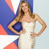 """Als Jurorin der erfolgreichen Casting-Show """"America's Got Talent"""" wirbt Heidi im sexy Bandeau-Kleid für ihre nächste Sendung."""
