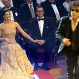 Das Brautpaar lässt sich von dem Rockmusiker Magnus Uggla unterhalten.