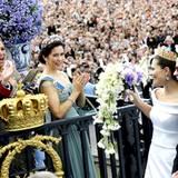 Royale Freude: Prinz Frederik, Prinzessin Máxima und Prinzessin Mary bejubeln Prinzessin Victoria und Prinz Daniel.