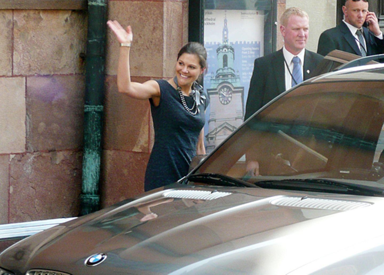 17. Juni 2010:  Prinzessin Victoria hat den großen Tag zwar noch vor sich, ist nach der Probe im Dom aber bestens vorbereitet.