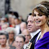 Königin Rania von Jordanien in der Kirche.