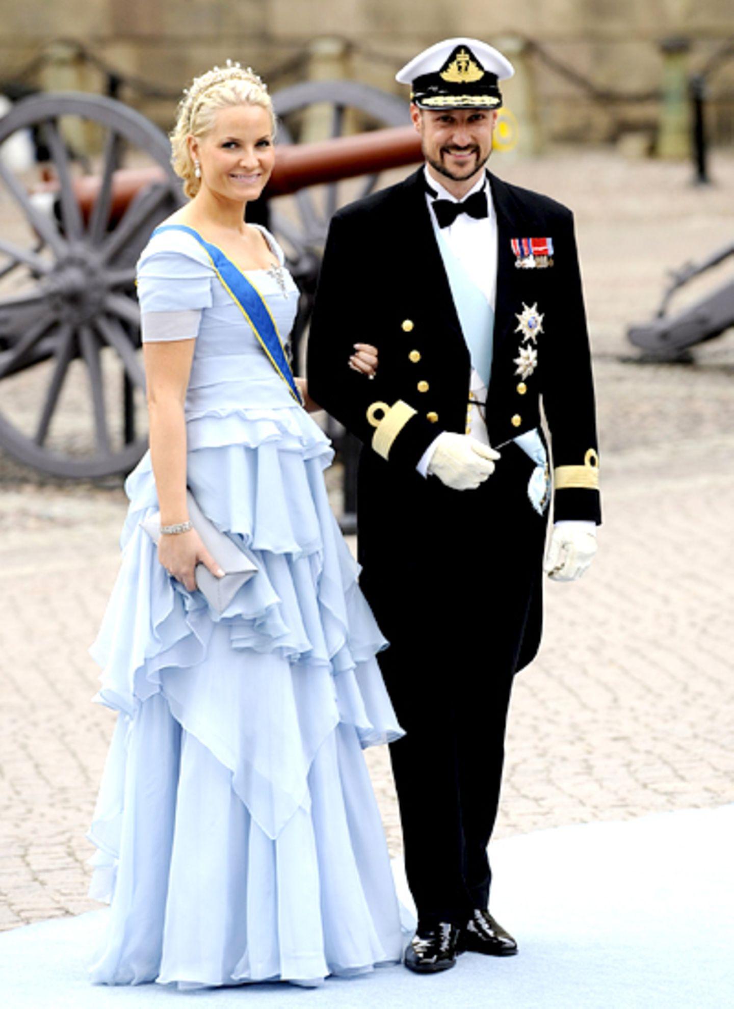 Prinzessin Mette-Marit und ihr Mann, Prinz Haakon von Norwegen, sind einfach ein wunderschönes Paar.