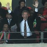 WM 2010: Der neue Bundespräsident Christian Wulff feiert die Leistung des deutschen Teams bei dieser Fußball-WM. Sie gewannen ge