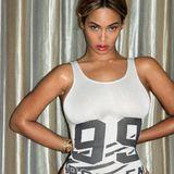 """""""99 Probleme, aber mein Po ist keines"""": Beyoncé zeigt sich und ihr tatsächlich prächtiges Hinterteil im Tank-Shirt-Body auf Tumblr und gibt damit ein klares Statement zum grassierenden Magerwahn ab."""
