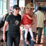 29. Mai 2011: Mama und Papa sind gut gelaunt auf dem Weg zum Bowling in Manhattan. Aber welche Laus ist der kleinen Sunday Rose