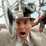 Inspektor Gadget kann alles und hat alles! Matthew Broderick spielt 1997 den Superpolizisten, der halb Mensch und halb Roboter i