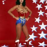 """Lynda Carter hat als """"Wonder Woman"""" in den 70er Jahren die Männerherzen höher schlagen lassen."""