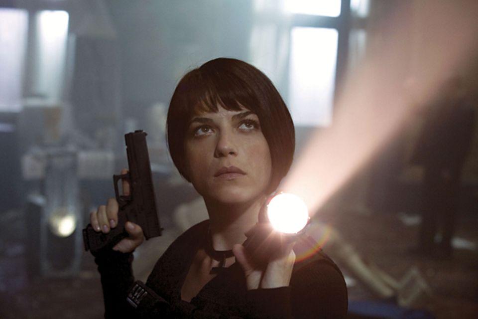 Liz Sherman - Hellboy- Selma Blair