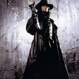 """Mit Armbrust und Weihwasser rüstet sich Hugh Jackman 2004 zum Kampf gegen die Vampire. Selten wurde """"Professor Van Helsing"""" so h"""