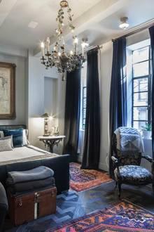 Das Haus Hat Fünf Schlaf  Und Sieben Badezimmer Auf Vier Etagen Verteilt    Genug Platz