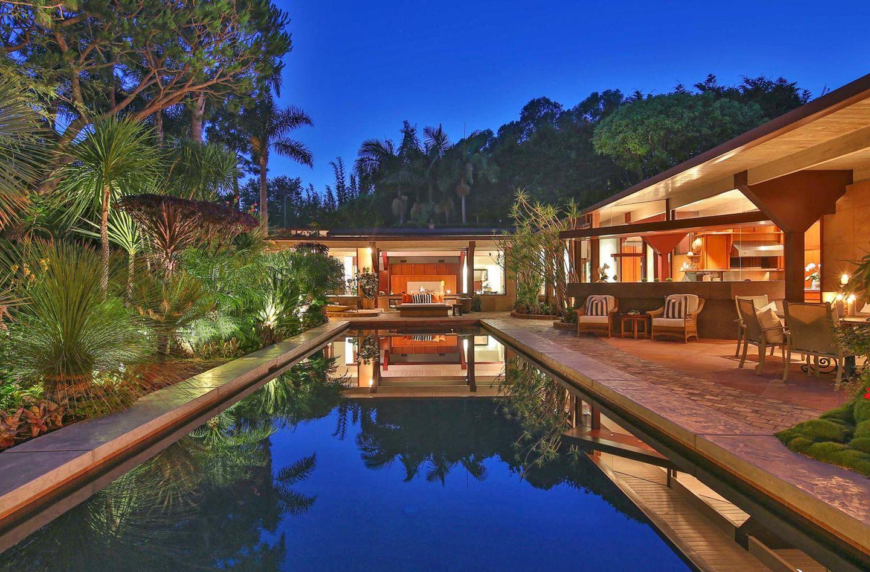 Gwyneth Paltrow und Chris Martin  Die Schauspielerin und der Musiker haben sich in Malibu ein Anwesen für mehr als 10 Millionen Euro gekauft.