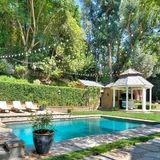 Adele  Die Rekordsängerin hat für 9,5 Millionen Dollar diese Traumvilla in Beverly Hills erstanden.