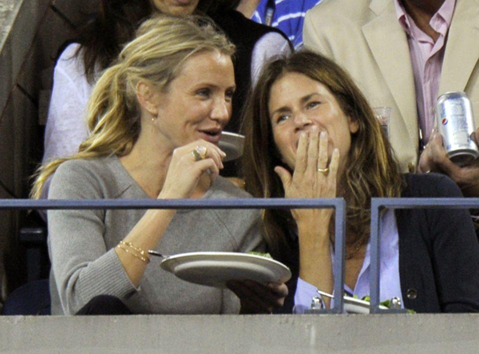 Cameron Diaz und ihre Freundin scheinen sich bestens zu amüsieren.