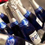 Gala Style Club: Mit eisgekühltem Pop Champagner von Pommery erfrischten sich erhitzte Tänzer.