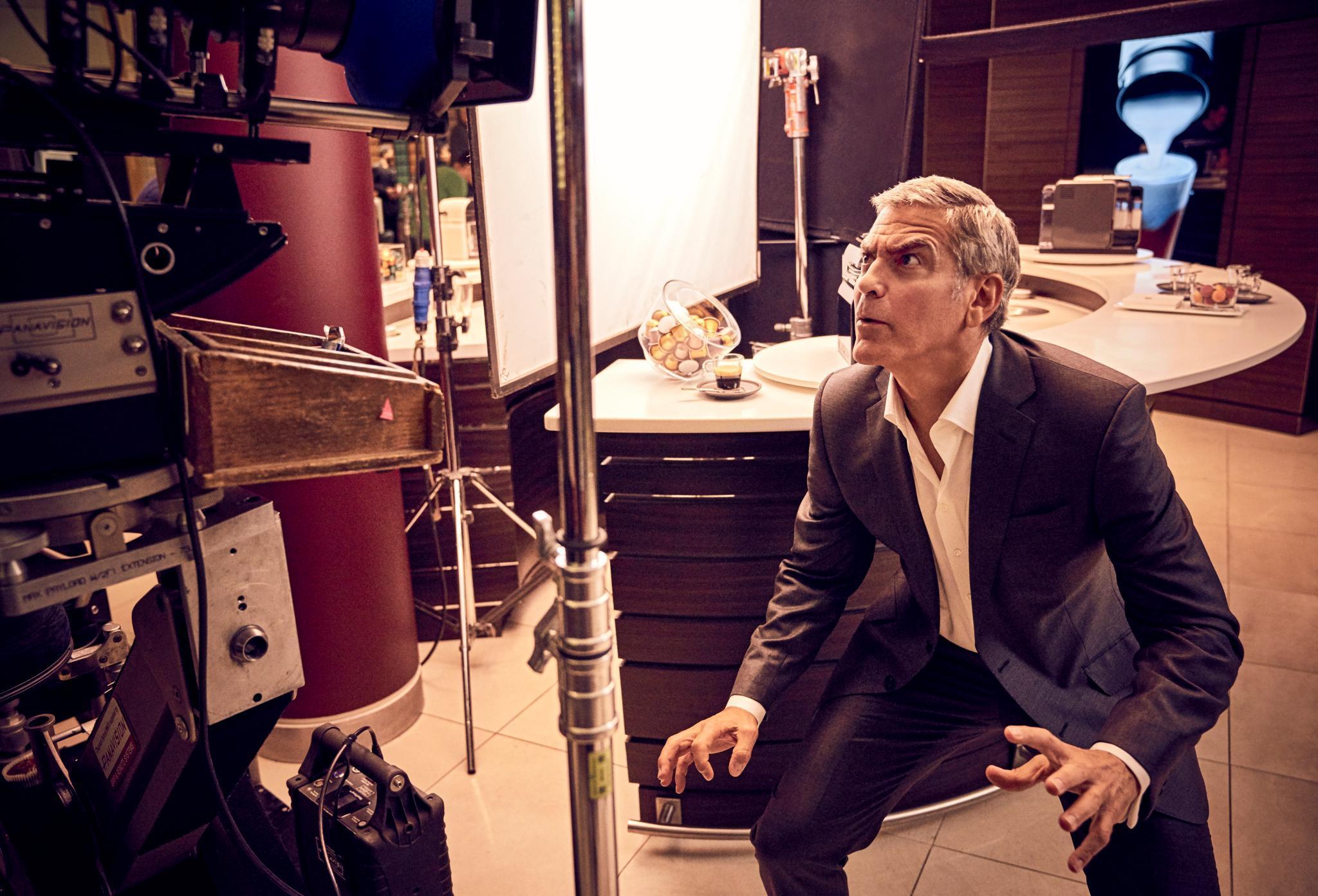 """George Clooney am Set des neuen Nespresso-Werbespots """"Change Nothing"""""""