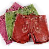 """Farbenfrohe Lederhosen stehen auch den """"Madln"""" gut."""