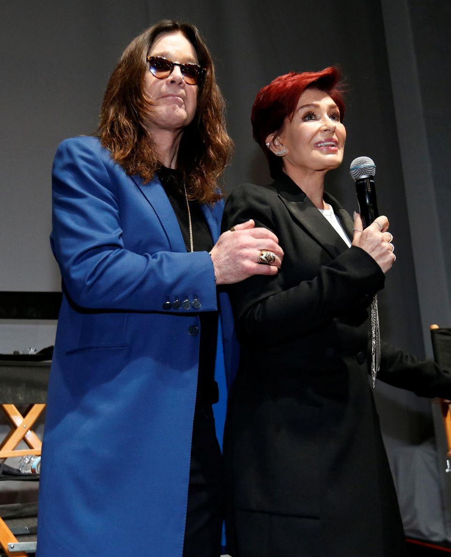 """12. Mai 2016: Kürzlich haben Ozzy und Sharon Osbourne noch ihre Trennung bekannt gegeben. Jetzt zeigen sie sich wieder vereint. Allerdings nur, um auf einer Pressekonferenz das """"Ozzfest Meets Knotfest"""" anzukündigen."""