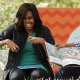 """28. März 2016: Das ist voller Körpereinsatz: First Lady Michelle und US-Präsident Barack Obama lesen beim traditionellen Easter Egg Roll im Weißen Haus aus dem Kinderbuch """"Where the Wild Things Are"""" vor."""