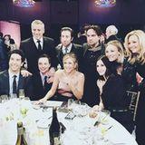 """25. Januar 2016: """"Friends"""" trifft auf """"Big Bang Theory"""": Kaley Cuoco hält diesen Moment fest und teilt ihn auf Instagram."""