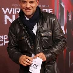 Florian Fitz lächelt für die Fotografen.