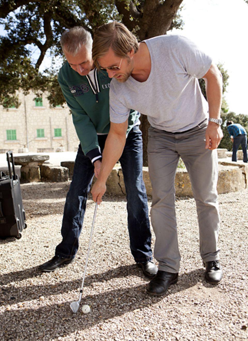 Gala MEN Buddy Weekend: Henning Baum weiß, wie man richtig golft.