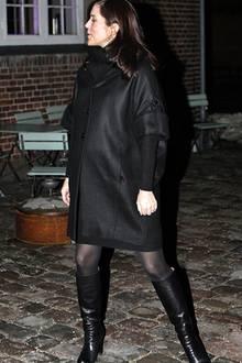 11. Dezember 2010: Die hochschwangere Prinzessin Mary besucht mit ihren Liebsten eine Ballettaufführung in Kopenhagen.