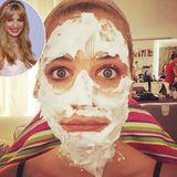"""Am 7. September startet die neue """"Sat.1""""-Daily-Serie """"Mila"""" mit TV-Star Susan Sideropoulos in der Hauptrolle. Auf Instagram gewehrt die Schauspielerin einen Blick hinter die Kulissen, genauer gesagt in die Maske und rät: #abschminken #nicht #vergessen."""