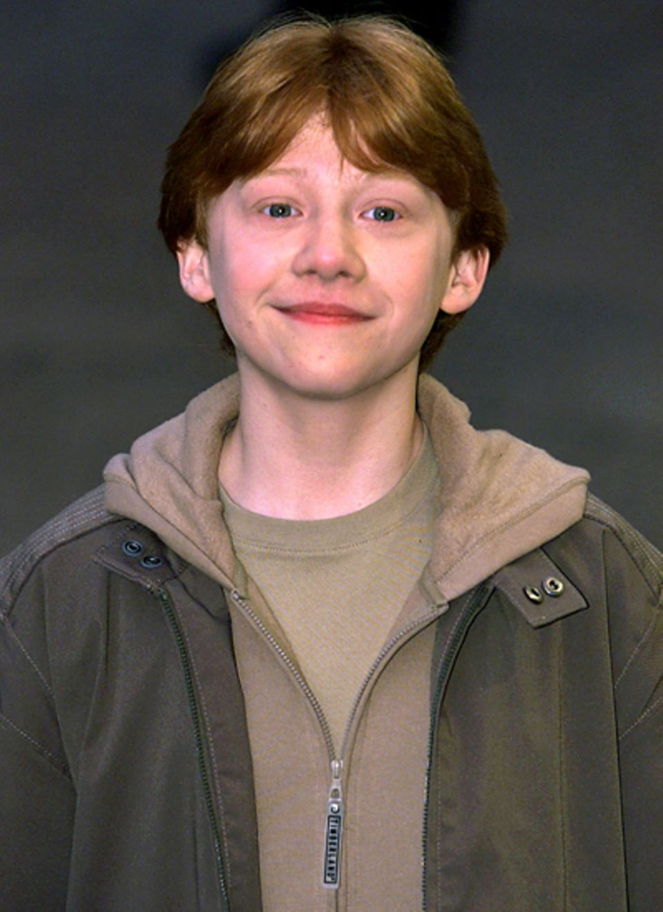 """Harry Potter, damals-heute: 2004: Ein kleiner Junge zeigt sich der Presse bei der Premiere von """"Harry Potter und der Stein der W"""