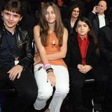 "30. November 2011: Die Kinder des King of Pop, Paris, Prince und Blanket Jackson, sind bei der ""The X Factor Live Show"" in Holly"