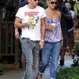 4. August 2011: Jennifer Aniston und Justin Theroux genießen ihren Liebesurlaub auf Hawaii.