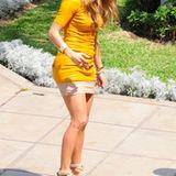 3. Dezember 2011: Wie passen High Heels und Fußball zusammen? Jennifer Lopez zeigt es im peruanischen Fersehen.