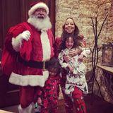 Der Weihnachtsmann überrascht Mariah Carey und ihre Zwillinge Monroe und Moroccan.
