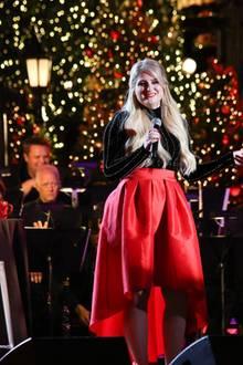 """Meghan Trainor tritt bei der """"The Grove Christmas""""-Veranstaltung in Los Angeles auf."""