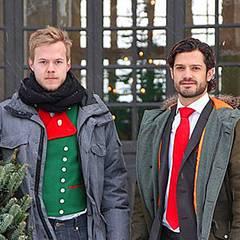 Prinz Carl Philip von Schweden darf an der schwedischen Universität für Agrarwissenschaften die Weihnachtsbäume für den Königspa