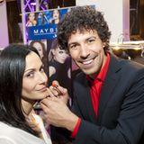 Star-Visagist Boris Entrup kümmerte sich an der Maybelline Brush-Up-Station um Schauspielerin Anita Tillmann