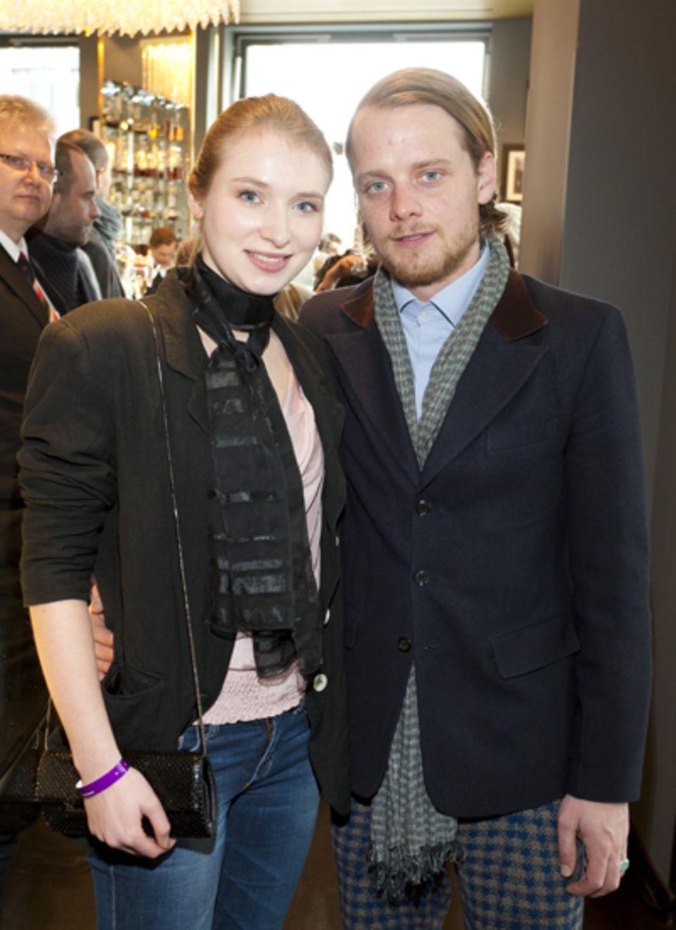 Die Schauspieler Constanze Wächter und Stefan Konarske amüsierten sich in der Catwalk-Bar