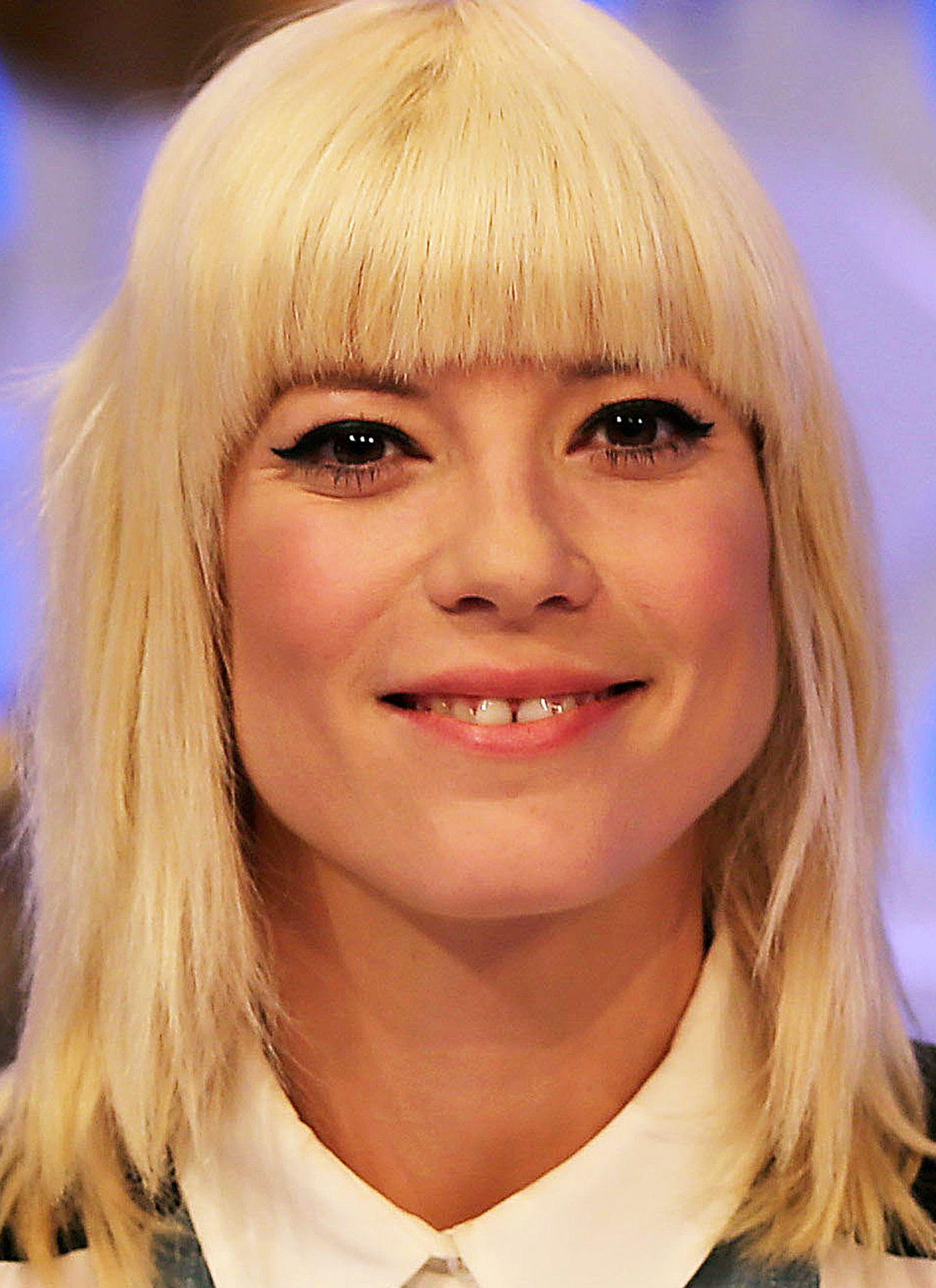 """Die Zahnlücke macht auch das schöne Gesicht von """"DSDS""""-Jurorin Mieze Katz (Mia.) einzigartig."""