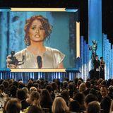 """Melissa Leo hält eine Dankesrede für ihre Auszeichnung als """"Beste Nebendarstellerin"""" in """"The Fighter""""."""
