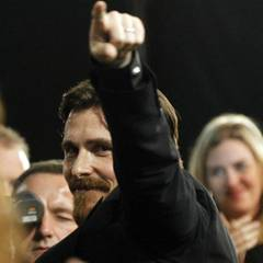 """Christian Bale wird später am Abend mit dem Preis als """"Bester Nebendarsteller"""" für """"The Fighter"""" ausgezeichnet."""
