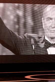 """Goldene Kamera: Der kürzlich verstorbene Bernd Eichinger wird posthum als """"Bester Produzent"""" geehrt. Die rührende Laudatio hält"""