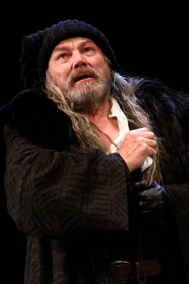 """Klaus Maria Brandauer spielt am Burgtheater in Wien die Rolle des """"King Lear"""" in Shakespeares gleichnamiger Tragödie."""