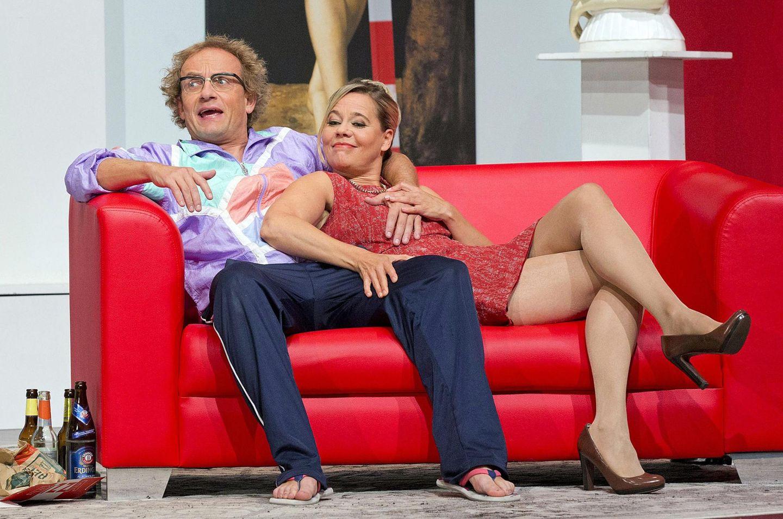 """Wigald Boning und Astrid Kohrs feiern mit dem Stück """"Die Selbstanzeige"""" im """"Schlosspark Theater Berlin"""" Premiere."""
