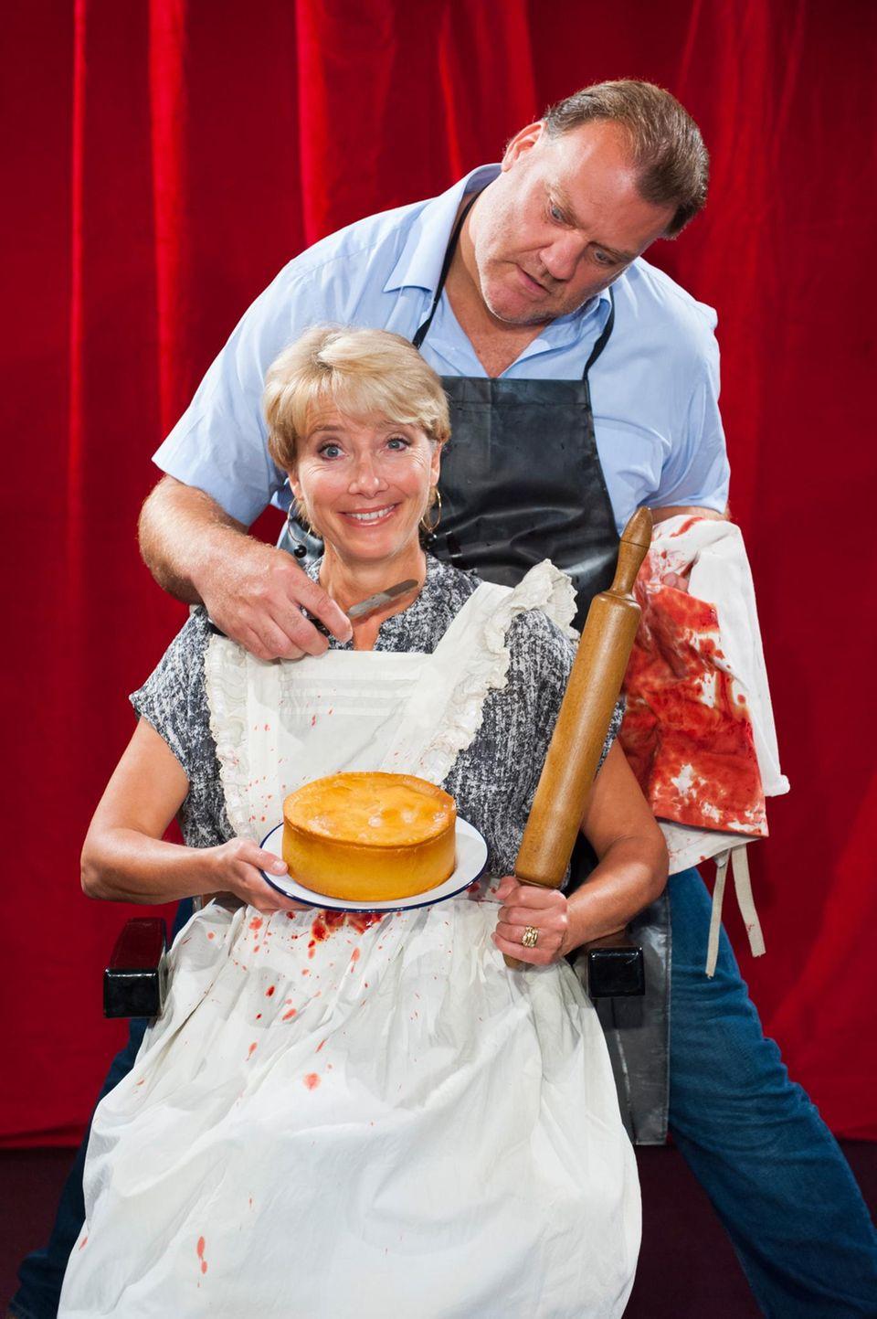 """Emma Thompson steht für eine Inszenierung für """"Sweeney Todd: The Demon Barber of Fleet Street, A Musical Thriller"""" in London auf der Bühne."""