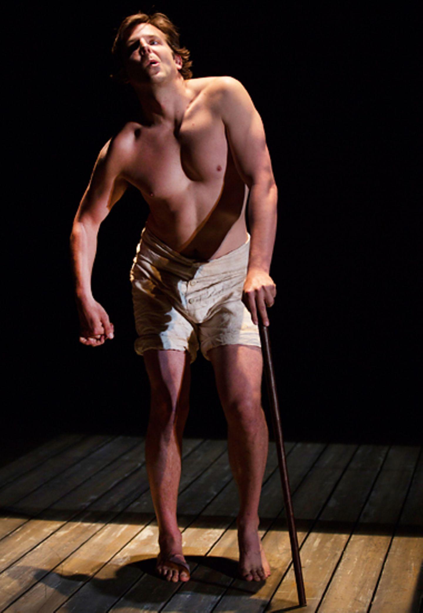 """Im """"Williamstown Theatre"""" in Massachusetts steht Bradley Cooper in dem Stück """"The Elephant Man"""" auf der Bühne. Der """"Hangover""""-St"""