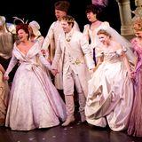"""Fran Drescher und Carly Rae Jepsen stehen für """"Rodgers + Hammerstein's Cinderella"""" am Broadway gemeinsam auf der Bühne."""